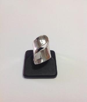 0cb6202d0aca Anillo para dama de plata de .950 diseño exclusivo.
